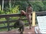 Morena Bucetuda fodendo com vigrador e cachorro em zoofilia amadora