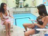 Porno Linda travesti fodendo a sua amiguinha na piscina