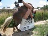 Zoofilia Viadinho fodendo com cavalo cai na net em zoofilia amadora