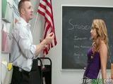 Vaida dos USA cai na net com video porno fodendo com professor