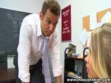 Professor ameaça novinha pra fuder com ela