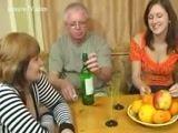 Incesto Avô embebeda netos para fazer suruba em familia