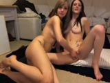 Lesbicas irmãs transando neste video de Incesto vazou no Whatsapp o Video porno das lesbicas