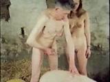 Casal fodendo com Porco neste video Porno Zoofilia Gratis