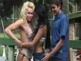 Casal Brasileiro transando com Travesti Gostosa dotado