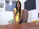 Larissa Novinha fazendo Filme Porno pela Primeira vez como Garota de Programa de Sâo Paulo
