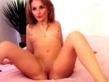 Novinha Camila caiu na net se masturbando no Video Porno caseiro