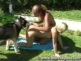 Amigas Fodendo com cachorro