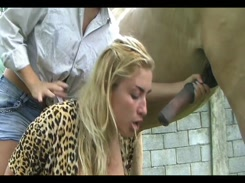 Videos de zoofilia Irmãs lesbicas transando pela primeira vez com cachorro