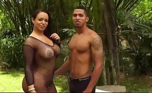 Brasileira Angel Lima fodendo com fã dotado