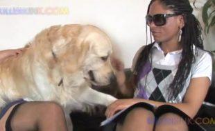 Lésbica na putaria com sua empregada safada e seu cão de raça